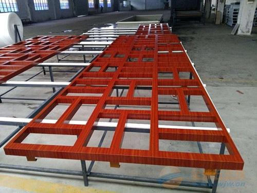 供应外墙红色型材铝格子_四方管烧焊铝挂落_铝花格
