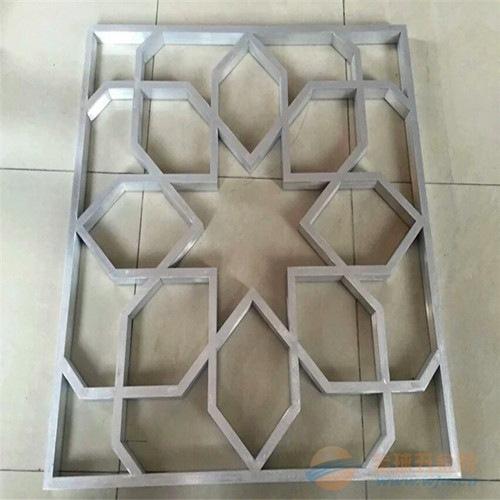 供应福建街道改造型材铝窗花_铝方管烧焊拼接窗花