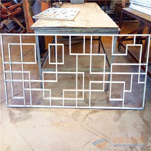 供应铝合金方管焊接窗_仿古木纹铝合金花格_厂家定做