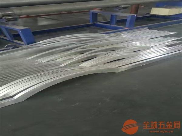 大型商场防火凹凸造型墙体铝方通