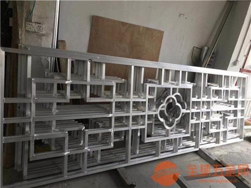 古典复式木纹铝花格 型材四方管焊接铝窗花厂家