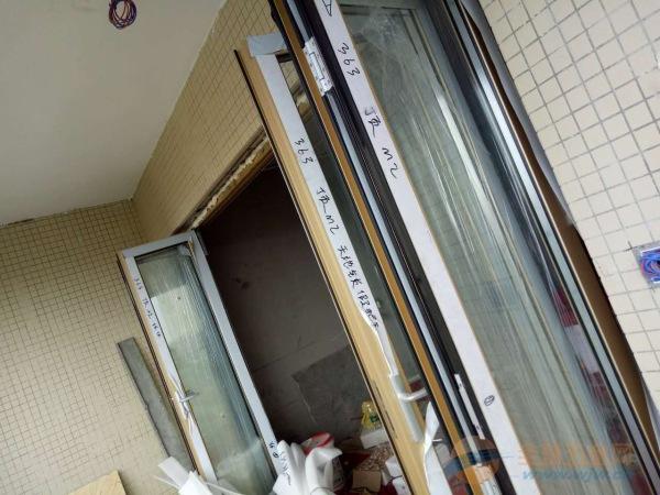 海南折叠门安装,阳光房配套折叠门,折叠门厂家