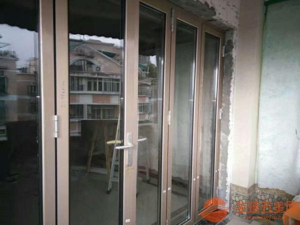 青岛折叠门安装,阳光房配栗折叠门,折叠门厂家