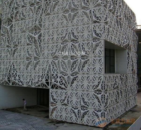 通辽专业生产外墙氟碳铝单板