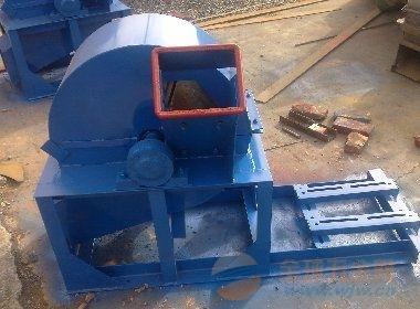 公司地区:山东 济宁  产品名称:灌云县木头粉碎机