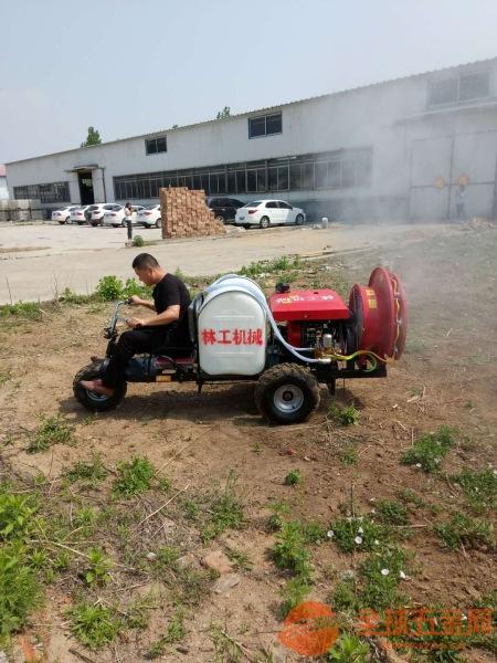 高压自动喷雾车