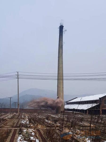 石河子30米砼烟囱拆除公司免费咨询报价