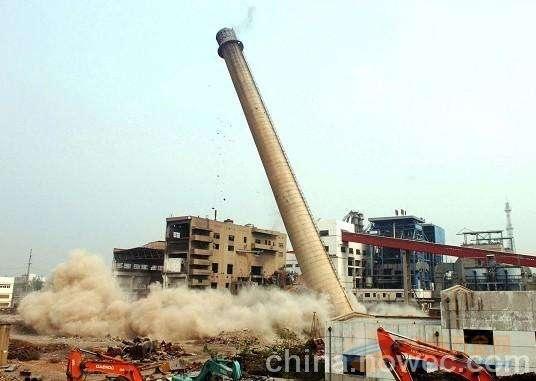 磴口县50米砼烟囱拆除公司厂家直供