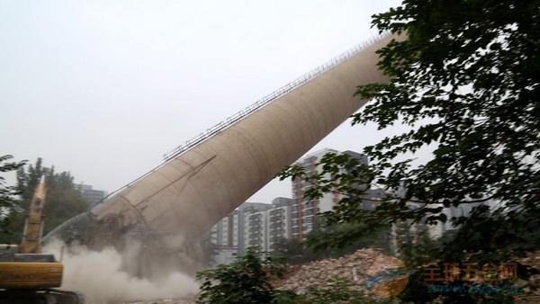 马龙县50米砼烟囱拆除公司厂家直供