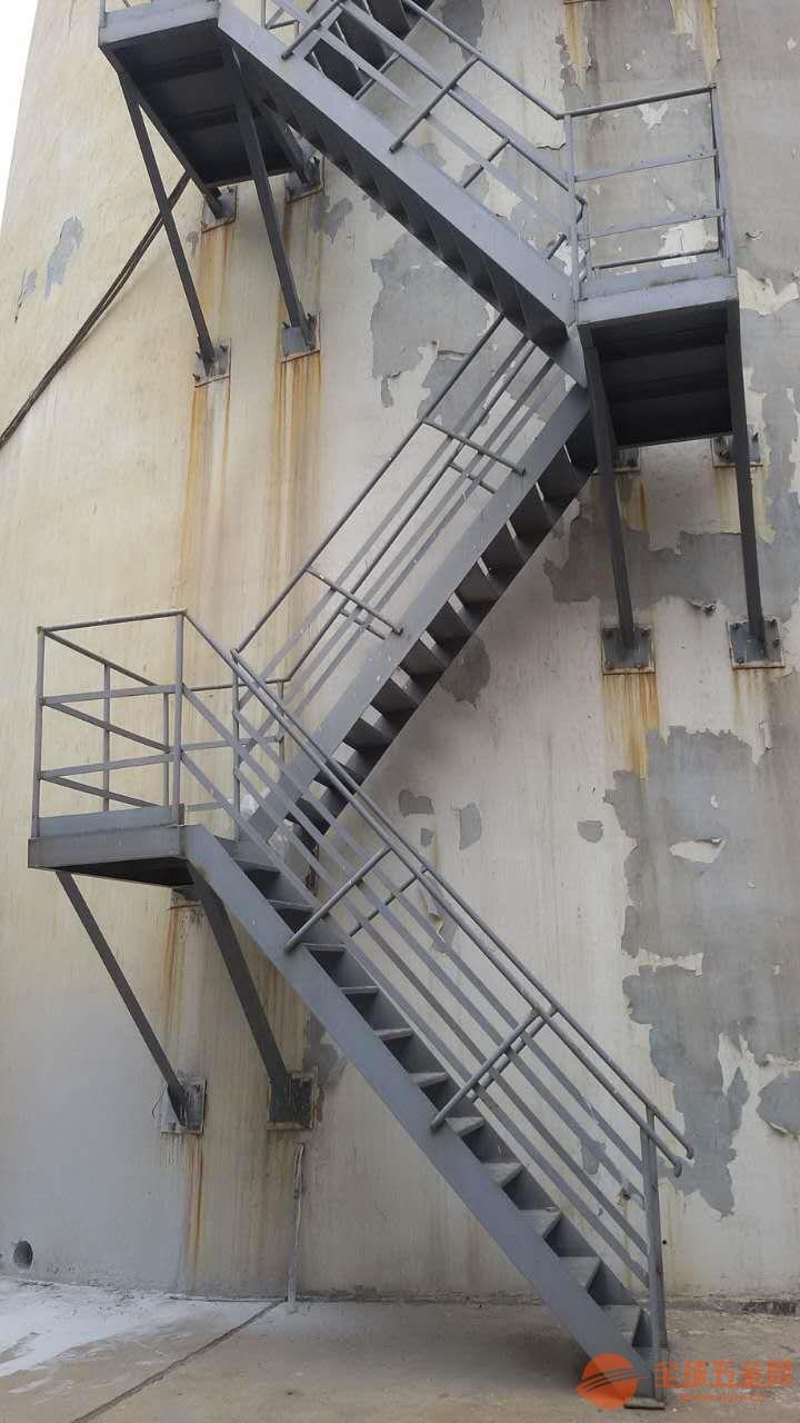 四川烟囱制作爬梯公司欢迎您√钢结构防腐公司欢迎您
