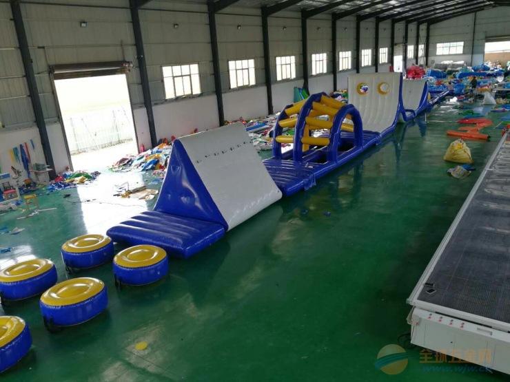 游乐园儿童水上趣味闯关设备 水上漂浮物水上滑梯设备厂家