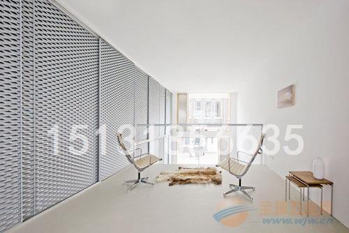 东南汽车4S店展厅装饰冲孔网高清图片