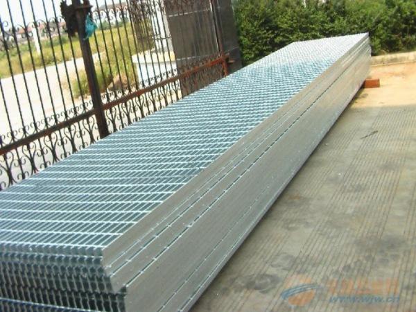 楼梯踏步钢格板工厂