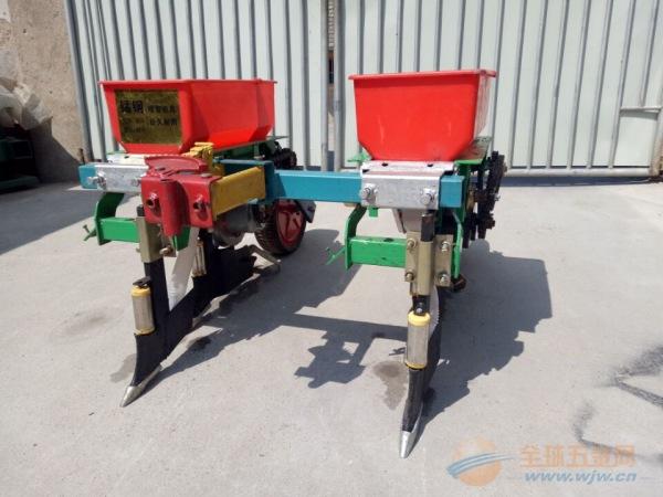 陵川县 【字符1】 大型拖拉机带玉米大豆子精量播种机