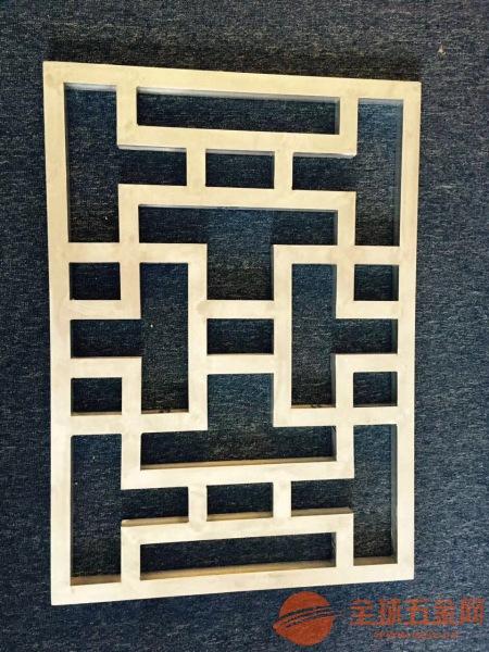 走廊木纹铝格子-铝窗花生产厂家