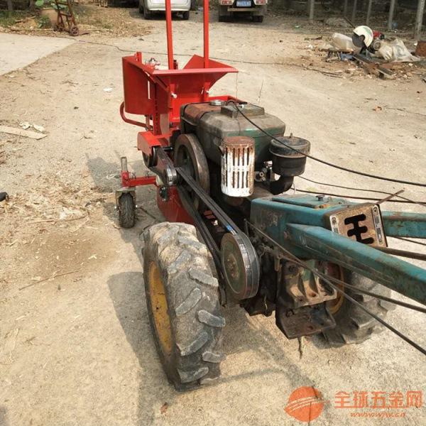 阳高县 热销小型自走式玉米收割机 苞米棒子摘穗收获机