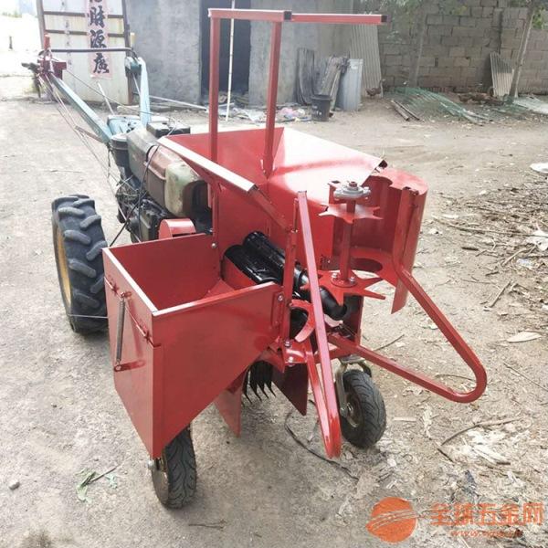 舞阳县 柴油手扶式单行玉米收获机 苞米扒皮收割机