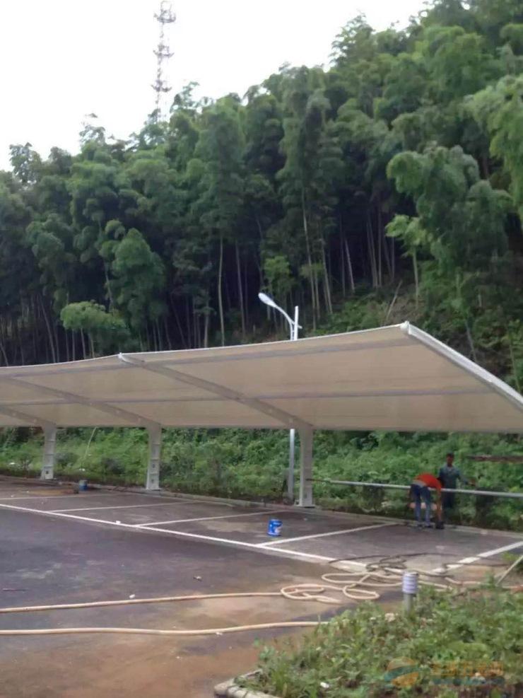 绩溪停车棚雨棚价格 膜结构汽车棚安装