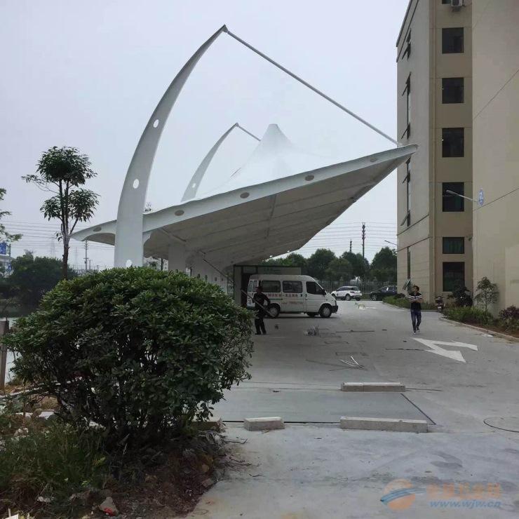 贵池区停车棚雨棚价格 膜结构汽车棚安装