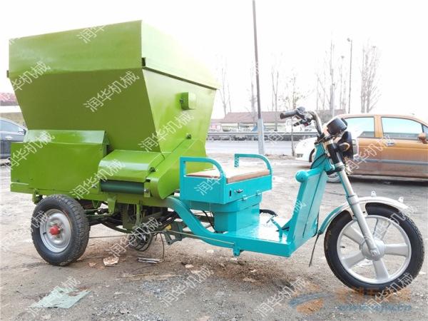 电动撒料车制造工艺 节省空间撒料车 全自动化饲草喂料机