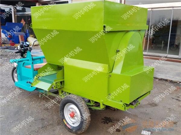 丽水 牛场饲养喂料机 丽水三轮自走式投料车