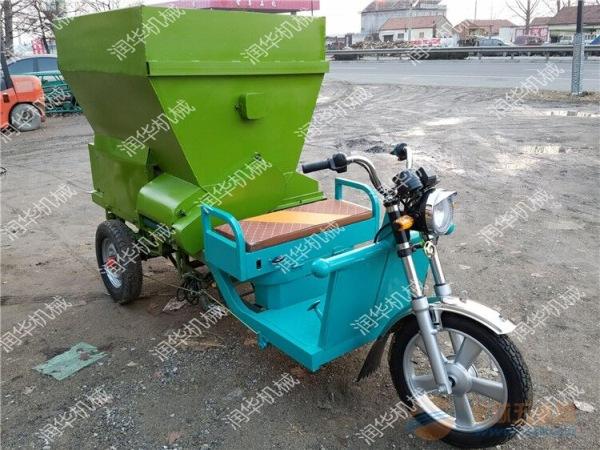 晋中5立方饲料撒料车 晋中专业柴油撒料车