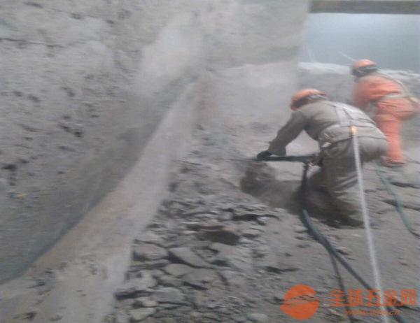 南阳专业水泥库清灰公司注重安全