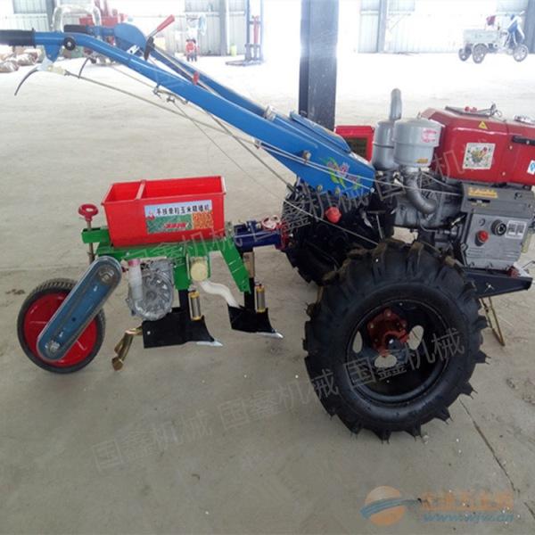 手扶拖拉机旋耕机 大型拖拉机牵引式深松旋耕机