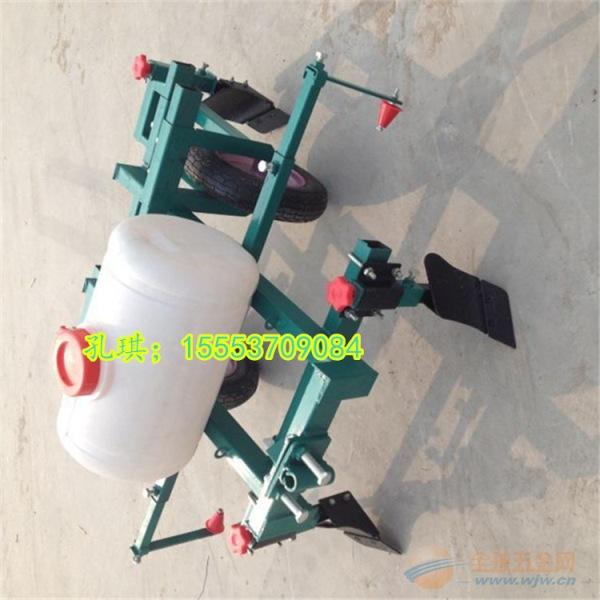 供应西瓜盖地膜机 供应花生覆膜机 多功能覆膜机