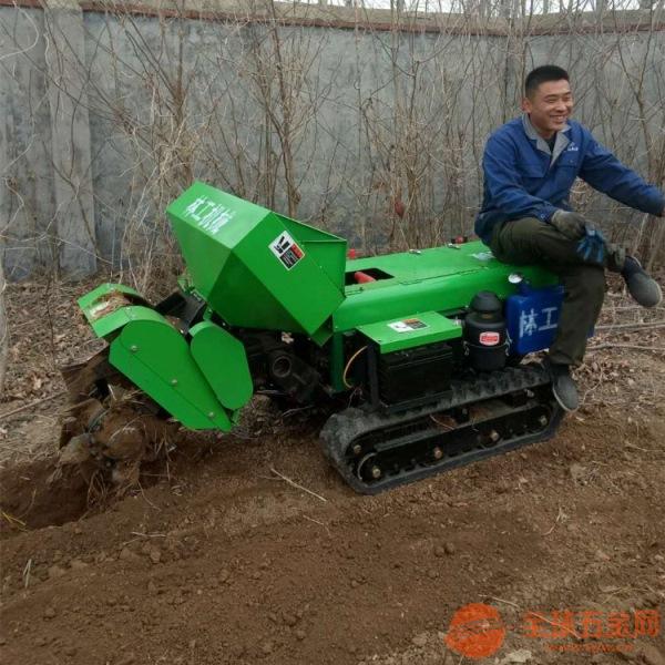 巴彦县自走履带施肥机厂家批发
