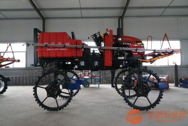 山东济宁德沃机械自走式打药机生产厂家