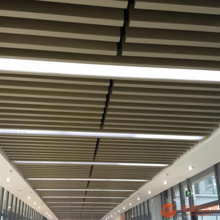 广州富腾供应防风40*40白色铝方通 黑色铝方管 无缝铝天花管规格定制