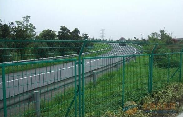鄂尔多斯公路护栏网生产厂家