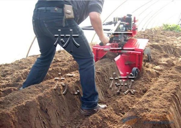 高安履带式施肥开沟机
