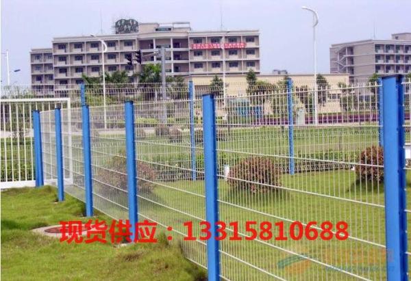 阳江高品质桃型柱护栏网