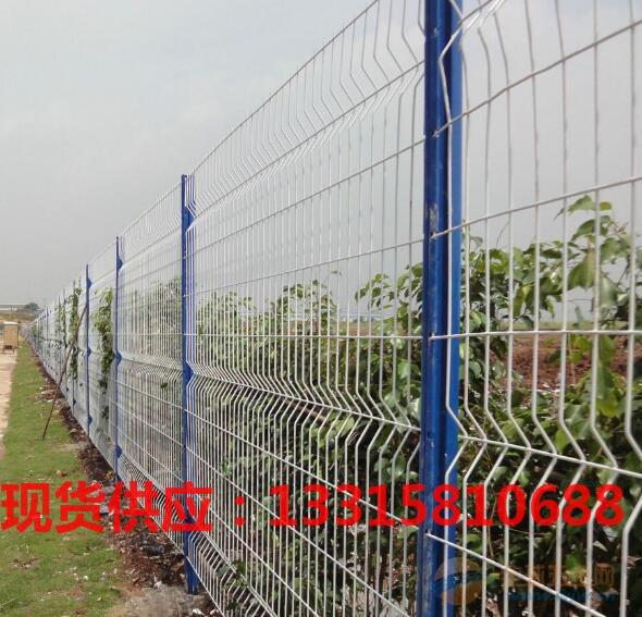 梧州现货桃型柱护栏网