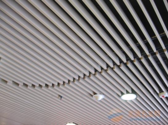 4S汽车店造型铝天花板