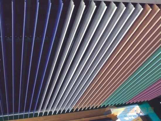 V型铝天花大型场所装饰专用价格合理可订制