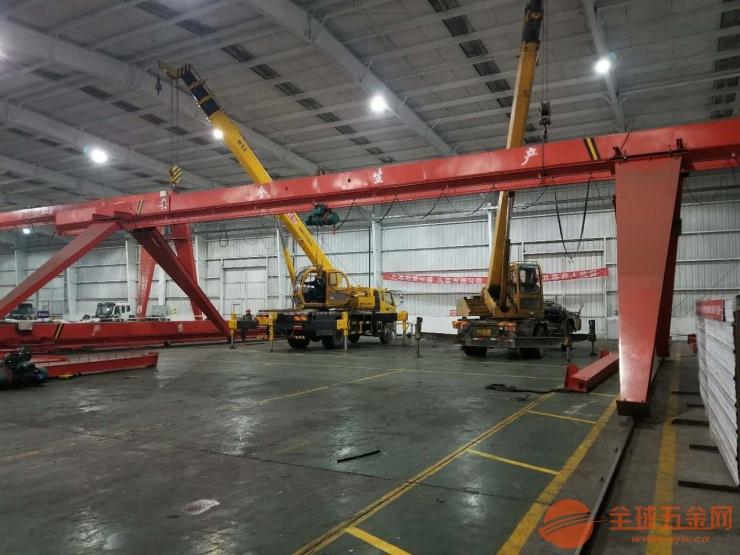 新疆乌鲁木齐米东2.9吨钢结构承轨梁钢轨