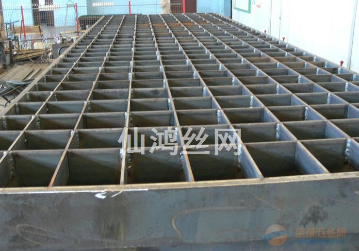 加工定制手工焊接钢格板