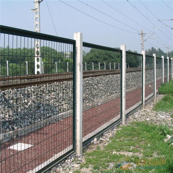 铁路封闭网不同于市场普通产品 大厂家出产 美观实用