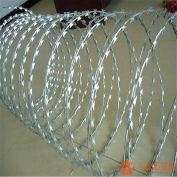 刺绳隔离栅 刺铁丝防护网 刺丝防护栏 俗称铁蒺藜