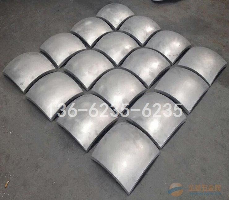 """门头铁架""""顶架""""黑色包边铝单板-灰色铝圆柱"""